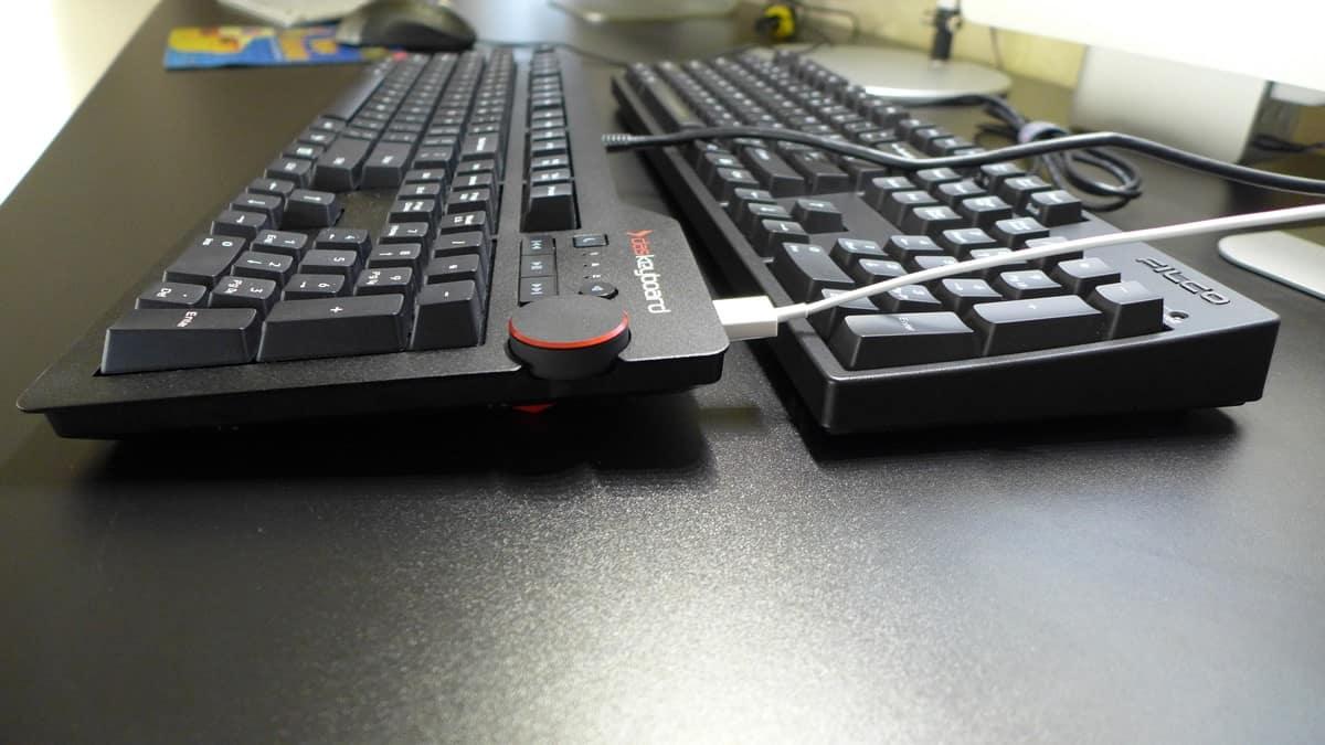 Filco Majestouch 2 vs Das Keyboard 4: Right Side